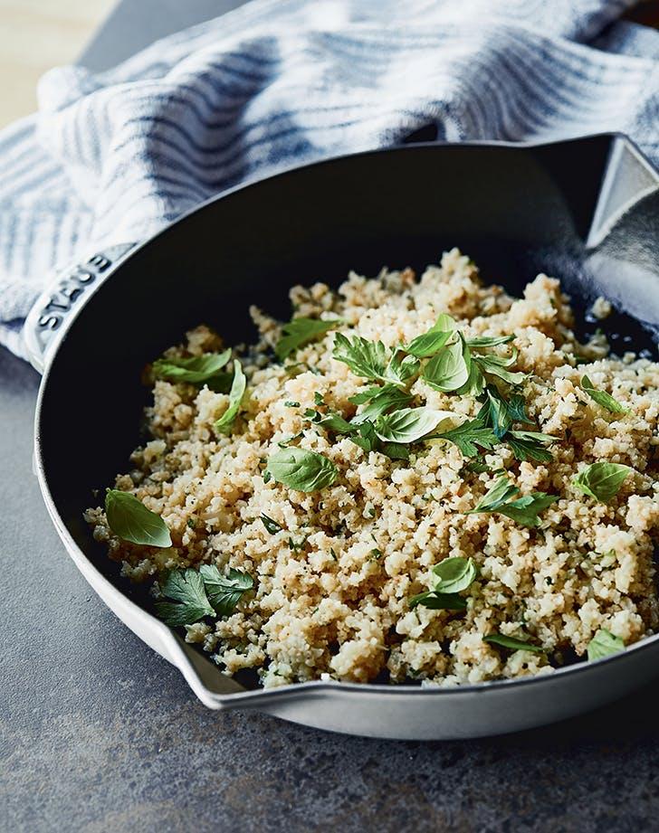 Chrissy Teigens Garlicky Cauliflower 'Rice