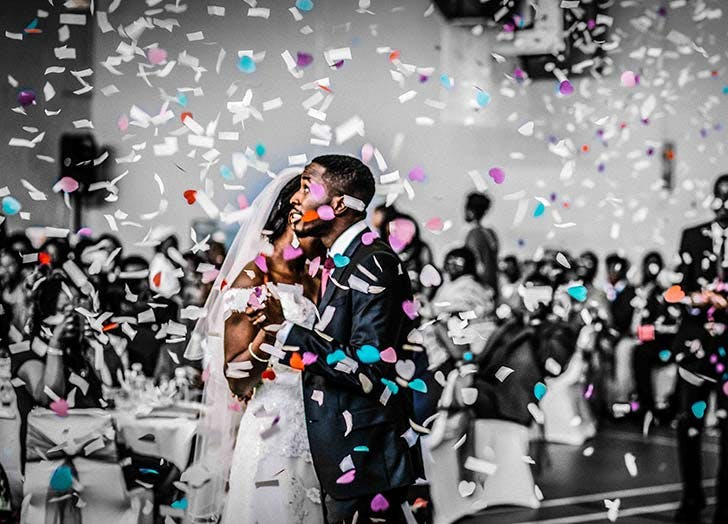 cobfetti toss wedding 525