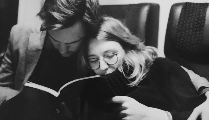 couple reading together1
