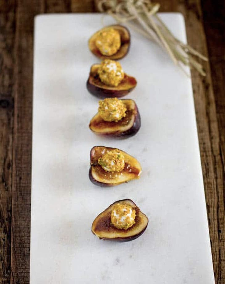 fig pistachio goat cheese bites