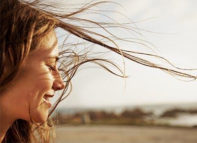 girl smiling summer glow 400
