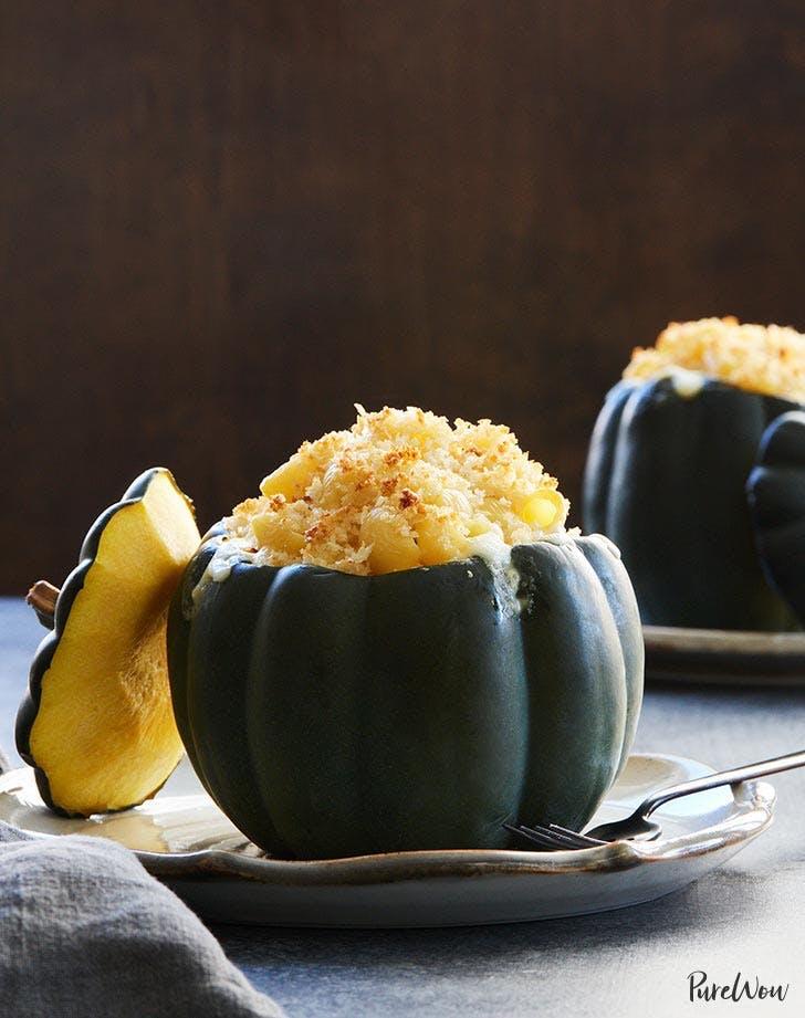 mac and cheese in acorn squash bowls 9211