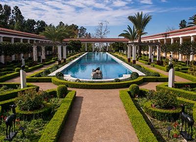 malibu villa museum fountain 400