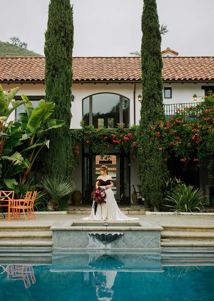villa With pool bride