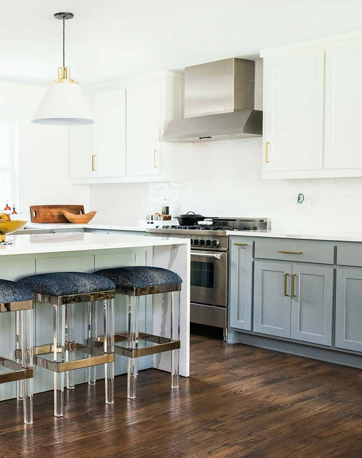 white grey kitchen cupbaords