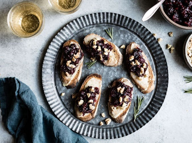 cheese cranberry crostini thanksgiving appetizers