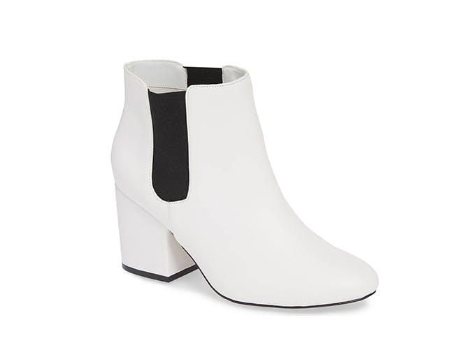 mia white boots