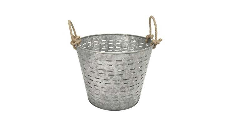 olive bucket decor 4