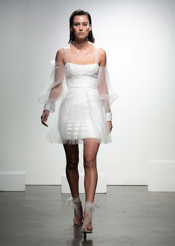 poet sleeves bridal trend 9
