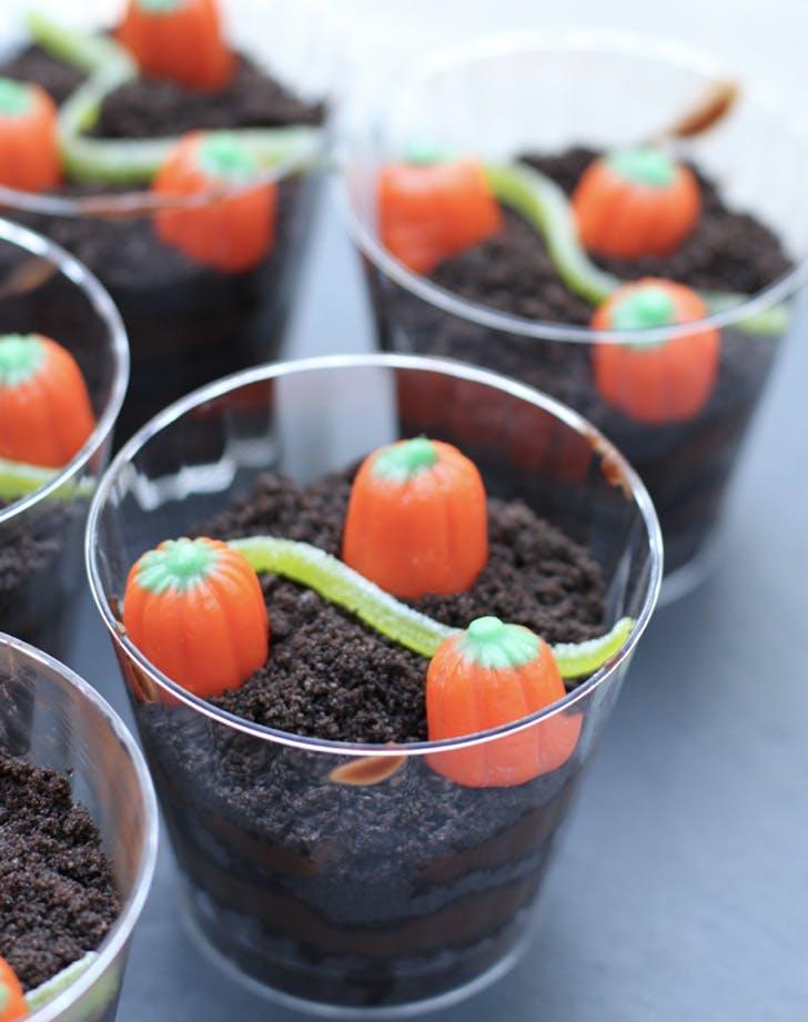 pumpkin patch dirt cups recipe