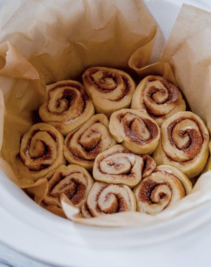 slow cooker thanksgiving recipes cinnamon rolls