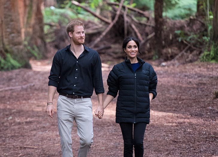 Harry and Meghan holding hands new zealand
