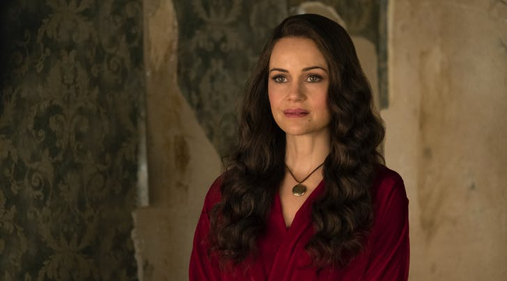 'The Haunting of Hill House' Star Carla Gugino Teases a Potential Season 2 (With a Twist!)