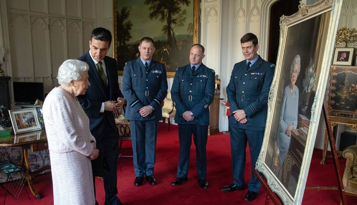 Queen Elizabeth gazing at new portrait.l