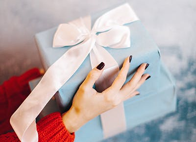 beautifully wrapped holiday gifts 400