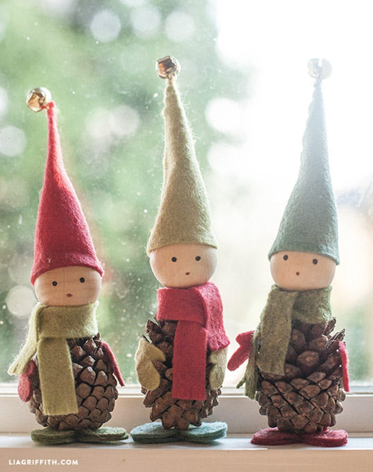 diy christmas decor pine cone elves