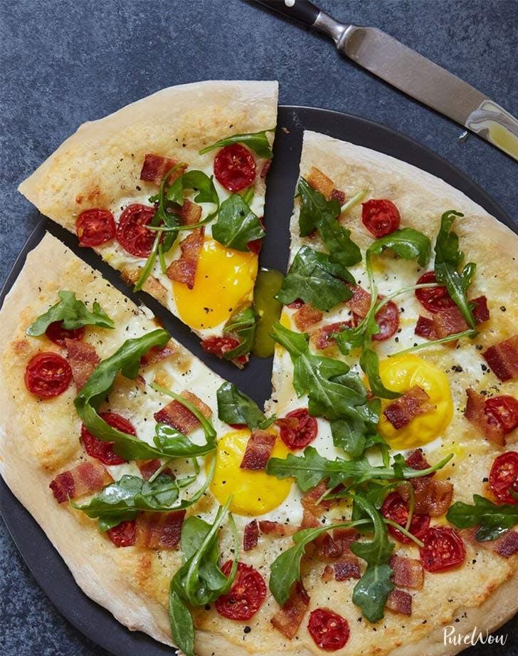 holiday breakfast pizza