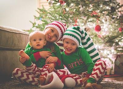 kids christmas morning