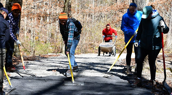 people volunteering at a national park