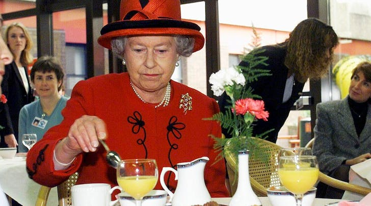 If Life Were an Episode of 'Seinfeld,' Queen Elizabeth Would Be George Costanza