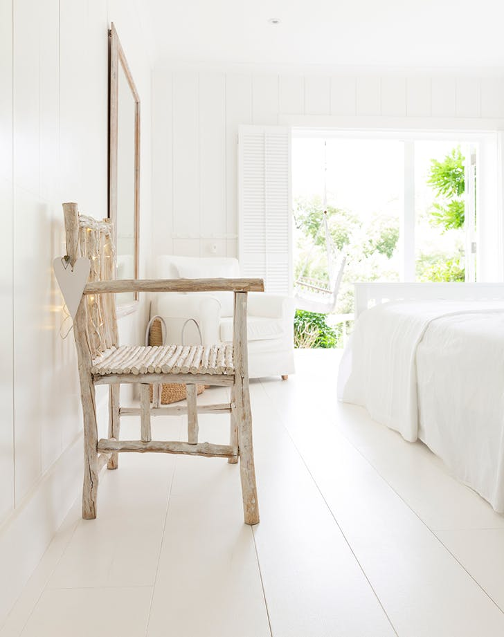 white bedroom bench