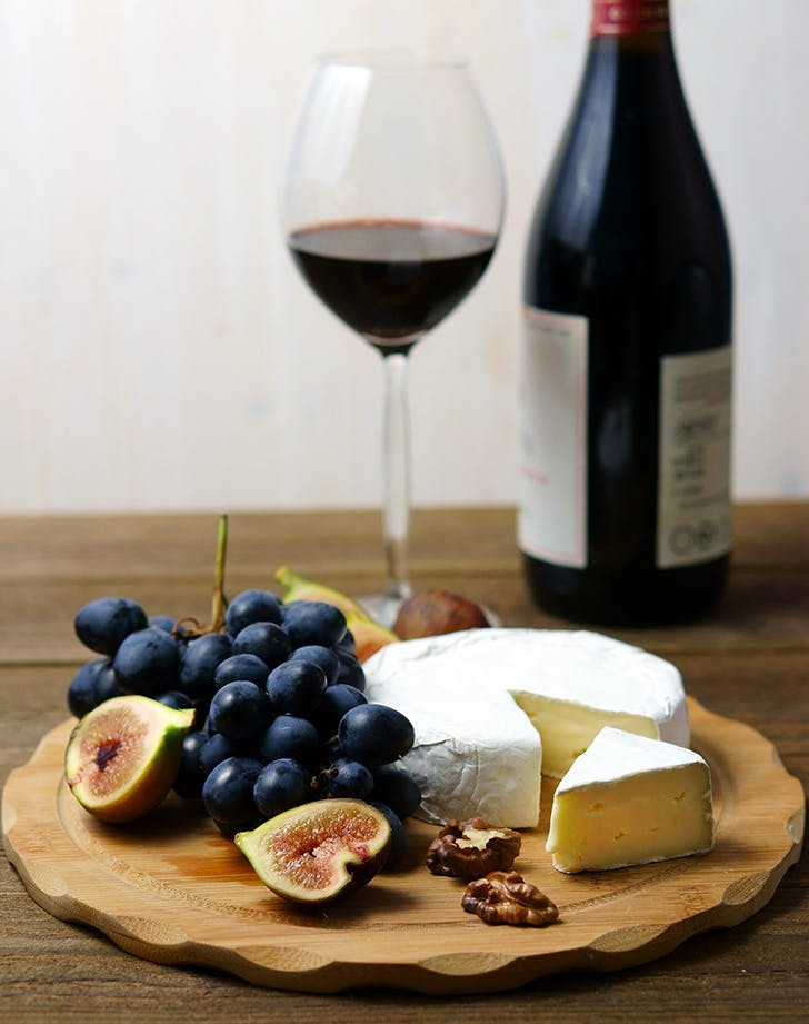wine and cheese vignette