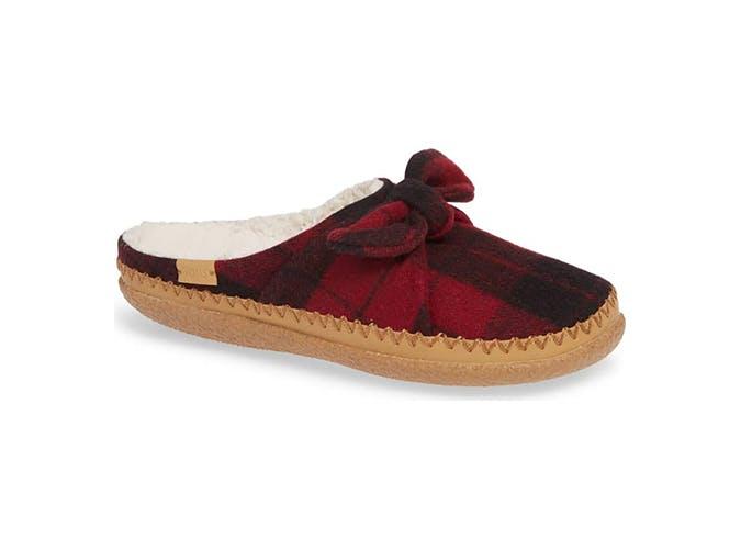 Tom s slippers