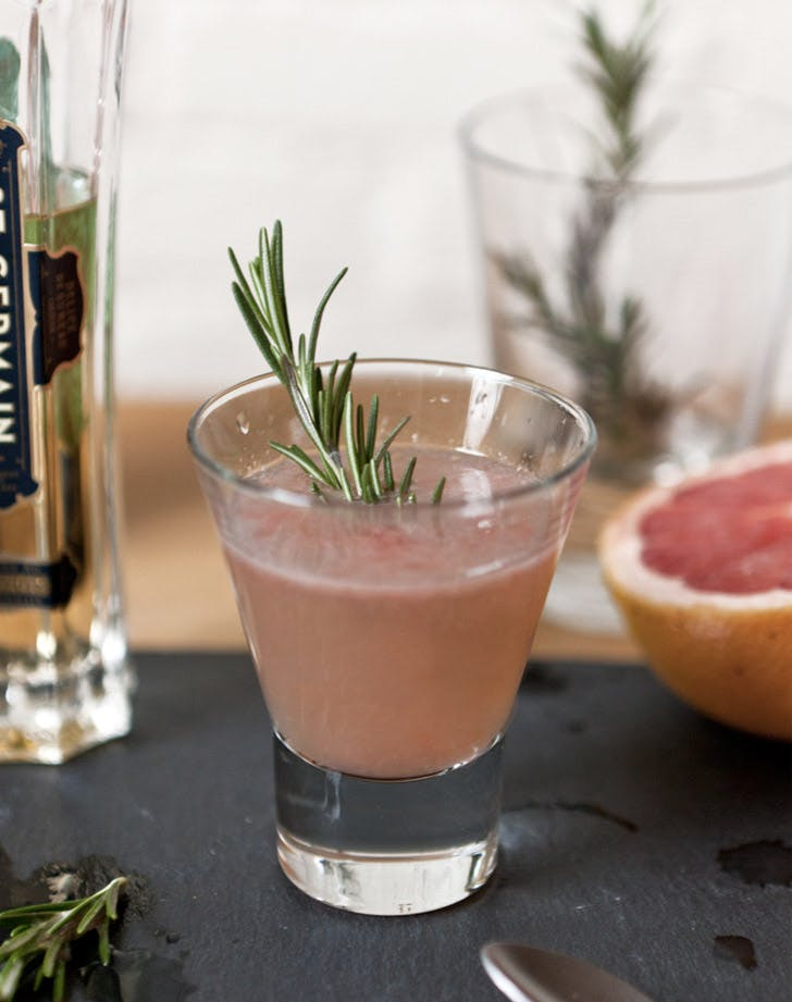 grapefruit rosemary champagne cocktail