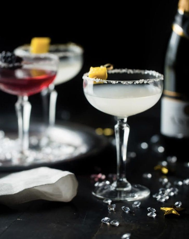 healthy champagne cocktails