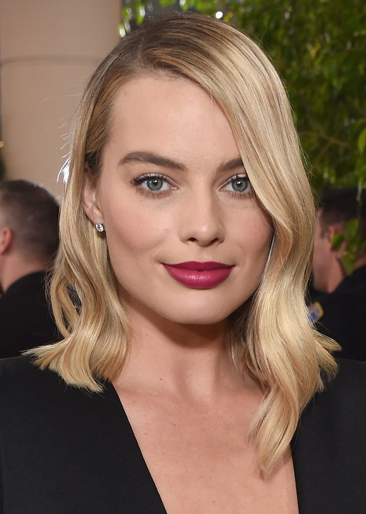 margot robbie golden globes beauty