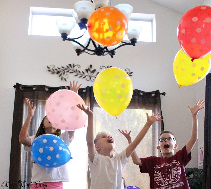 noon years eve diy balloon drop