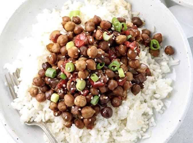 slow cooker vegan kung pao chickpeas