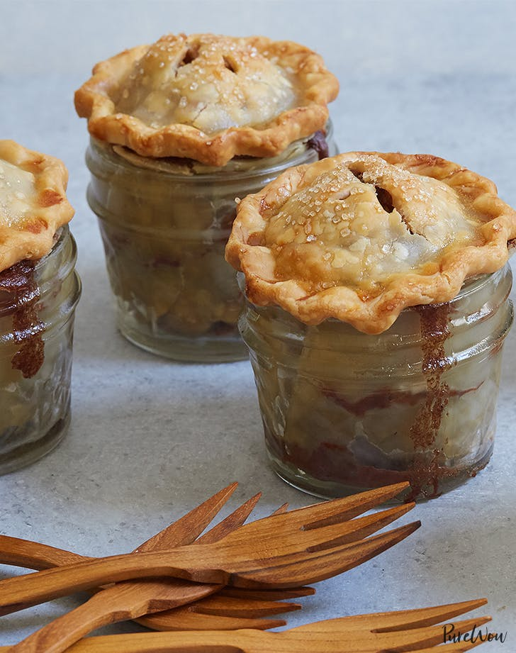 Mini Mason Jar Apple Pies Are Adorable and Delicious