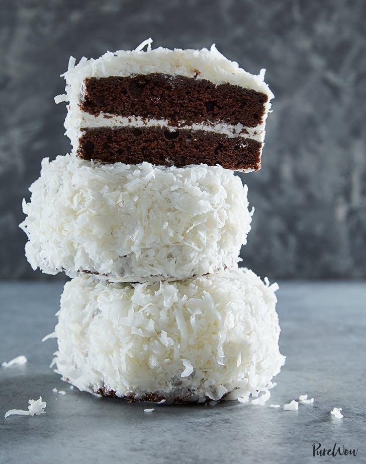 Mini Chocolate Snowball Cakes