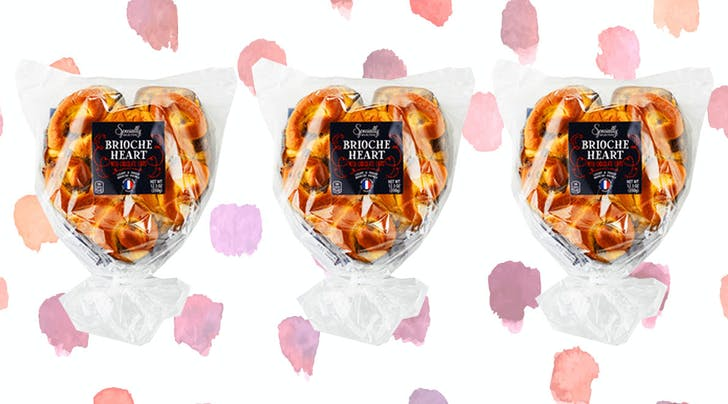 Forget Flowers, Aldis New Chocolate-Chip Brioche Heart Is the Only Valentine We Need
