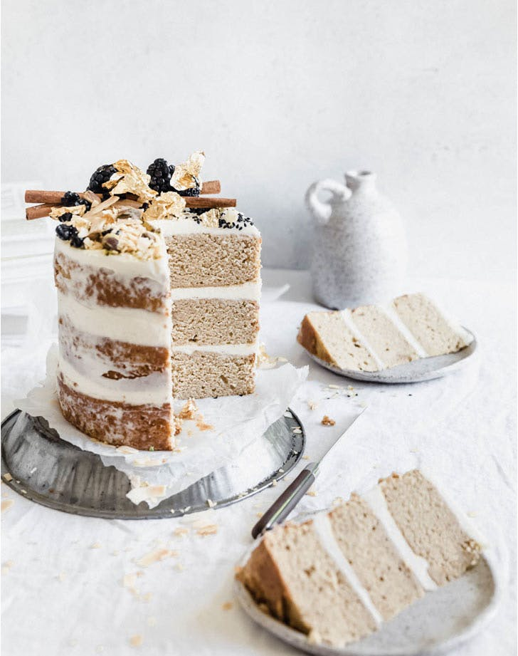 chai spice naked cake
