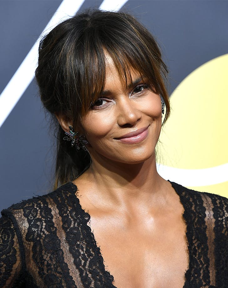 halle berry bangs1