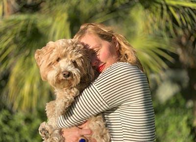 hug a dog 400