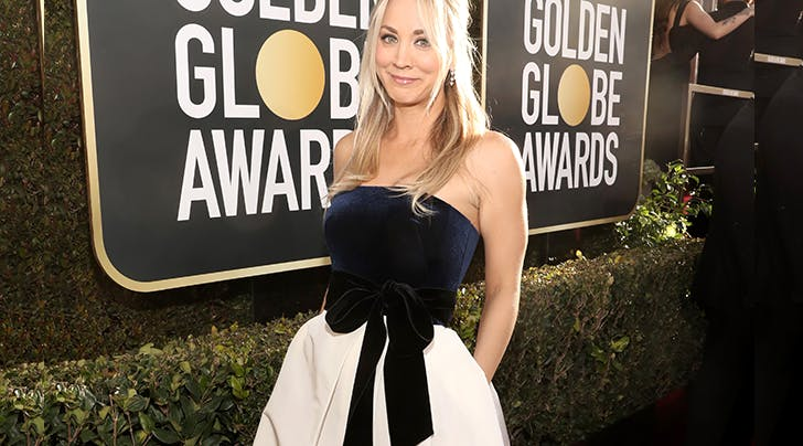 kaley cuoco wearing a dress with pockets on the red carpet
