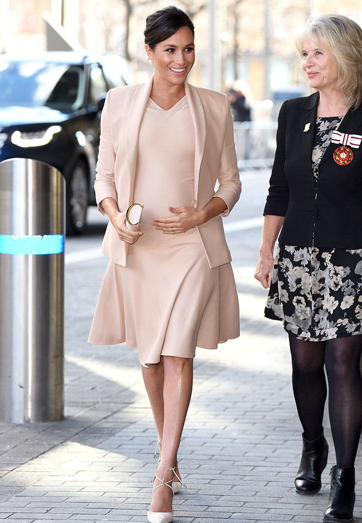meghan markle blush outfit