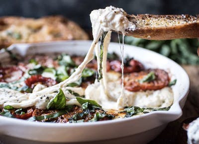 22 Delicious Things You Can Make With Mozzarella Purewow