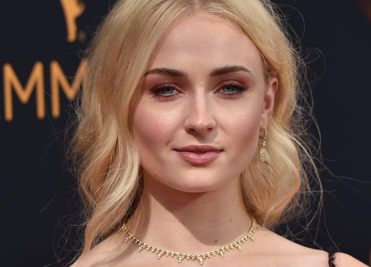 sophie turner copper eyeshadow emmys