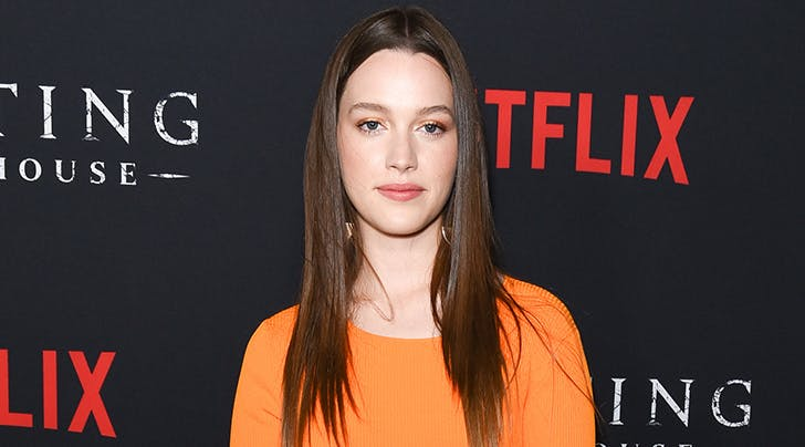 You Adds Haunting Of Hill House Star Victoria Pedretti Purewow