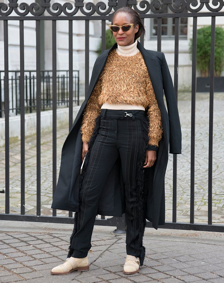 woman wearing neutral tones