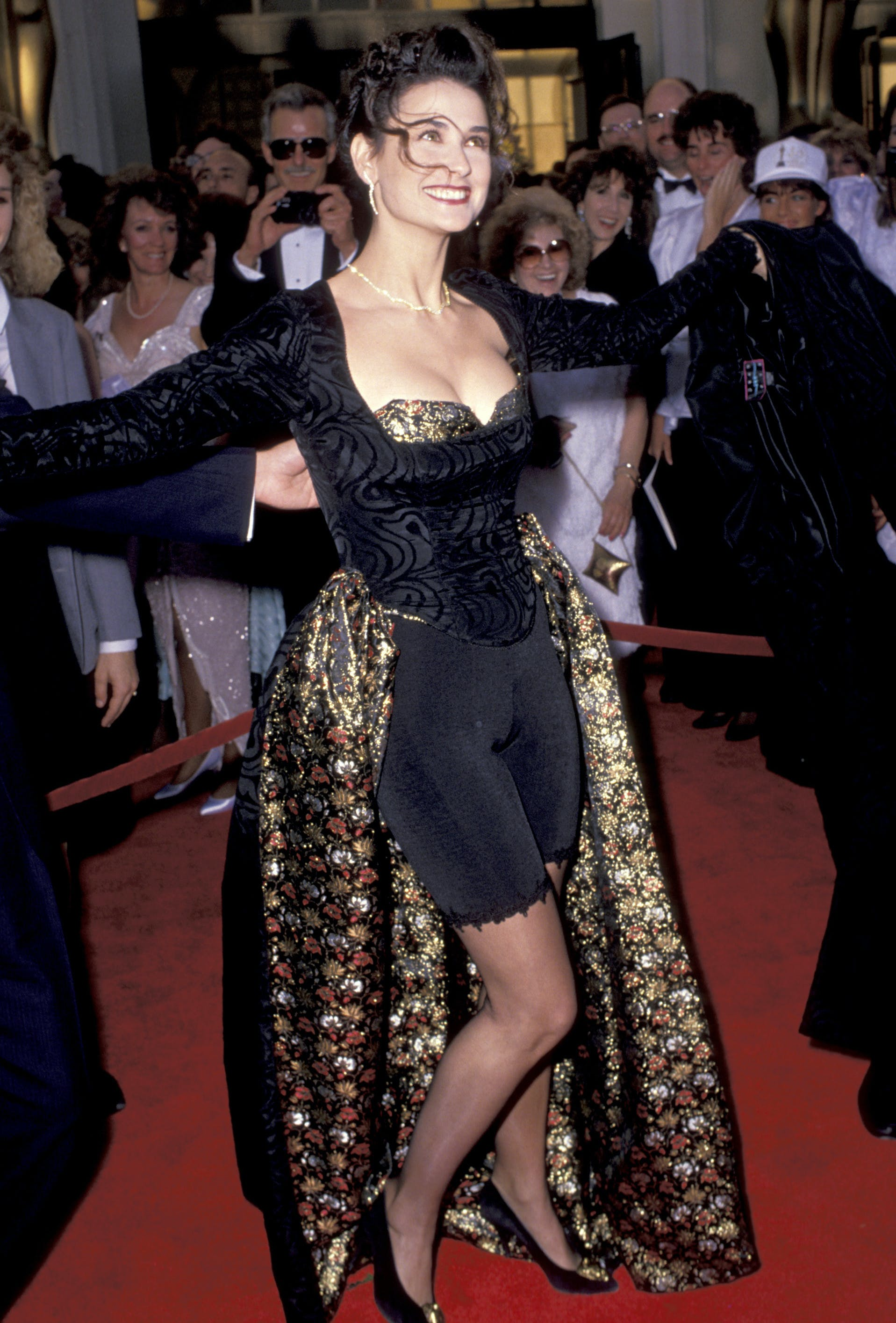 Demi Moore wearing bike shorts at the 1989 Academy Awards