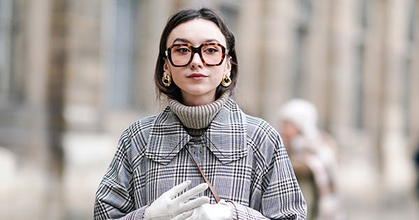 Eyewear Trends 2020.5 Glasses Trends That Ll Take You Into 2020 And Beyond Purewow