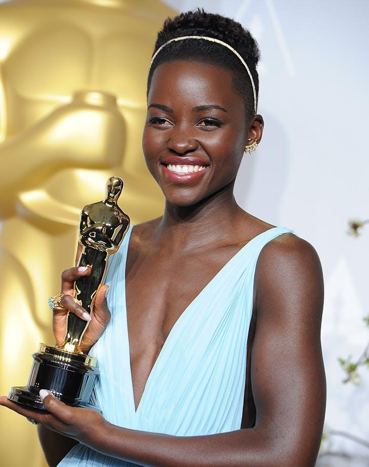 lupita nyongo with her oscar