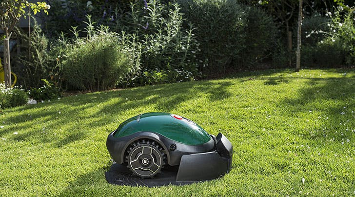 This New Gadget Is Like a Roomba, but for Your Lawn