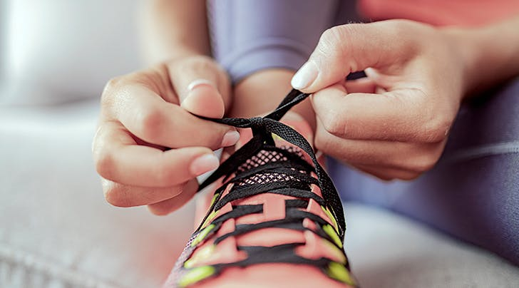 Here's the Right Way to Measure New Sneakers, According to a Podiatrist