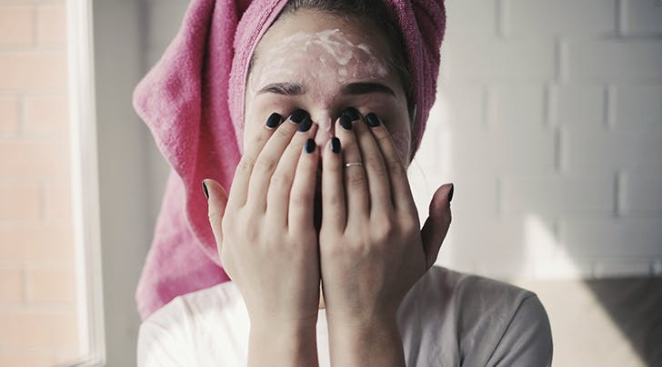 There's a Right Time to Wash Your Face at Night, and No, It's Not Before You Go to Bed